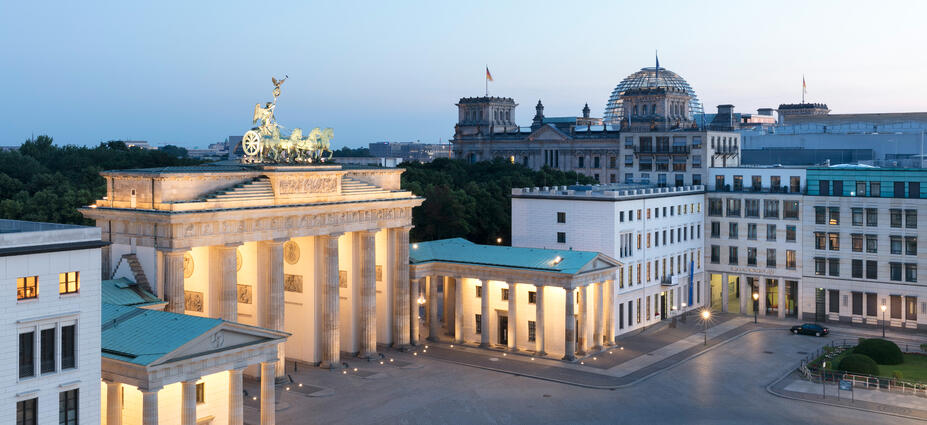 Brandenburger tor berlin office contora